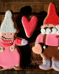 Share these adorably decorated treats with someone special for Valentine's Day.