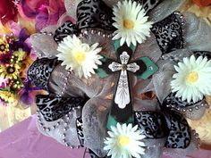 cross cheeta wreath by meshwreathsandmore on Etsy, $25.00