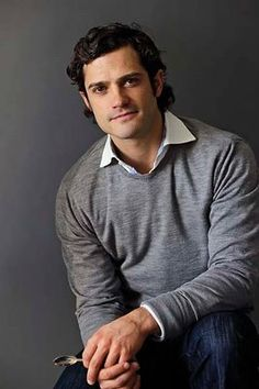 Prince Carl Phillip Edmund Bertil of Sweden - whew! another devastatingly attractive real-life prince charming! Royal Prince, Prince Philip, Prinz Carl Philip, Princess Sofia Of Sweden, Swedish Royalty, Handsome Prince, Danish Royal Family, Royal Fashion, Men's Fashion