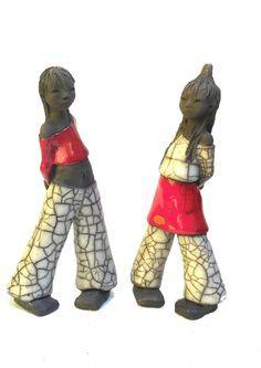 """Résultat de recherche d'images pour """"catherine clericy"""" Raku Pottery, Geisha, Outdoor Statues, Sculptures Céramiques, Art Plastique, Clay Crafts, Clay Art, Ceramic Art, Sculpting"""