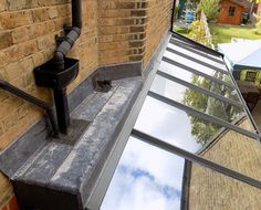 lean to conservatory side return House Extension Design, Glass Extension, Extension Ideas, Victorian Terrace House, Victorian Homes, Orangerie Extension, Lean To Conservatory, Skylight Design, Side Return Extension