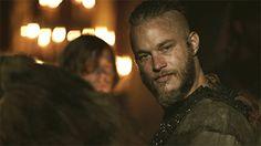 gif, vikings, and ragnar lothbrok image