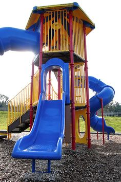 The Playground Workout! Workout while your children are playing on the play ground! Have your children entertained while your getting a fat blasting and calorie burning workout in!