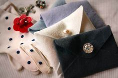 DIY Tutorial: No-Sew Felt Gift Envelopes by Princess Lasertron · Rock n Roll Bride