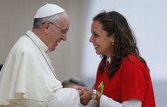 Papa Francesco: più spazio per le donne nella Chiesa e società