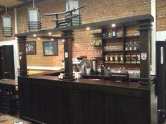 барная стойка в кафе. японский стиль. лофт.