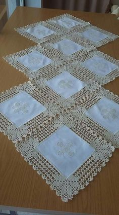 Crochet Doilies Free Pattern Runners Lace Tablecloths 35 Ideas For 2019 - Diy Crafts - hadido Crochet Fabric, Crochet Quilt, Crochet Motifs, Crochet Borders, Crochet Squares, Filet Crochet, Crochet Doilies, Crochet Flowers, Crochet Patterns
