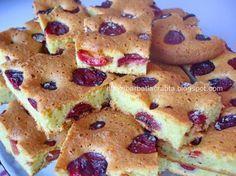 Prajitura cu cirese Yummy Treats, Sweet Treats, Romanian Desserts, French Toast, Food And Drink, Tasty, Gem, Sweets, Breakfast