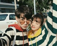 Nhi 💮 Boy And Girl Friendship, Korean Friends, Toxic Friendships, Korean Couple, Ulzzang Couple, Korean Street Fashion, Photo Reference, Couple Posing, Sibling
