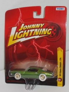 Johnny Lightning WHITE LIGHTNING Green 1971 CHEVY CAMARO Z28 WHITE Tires MOMC