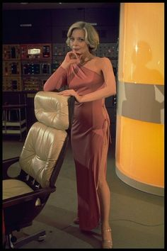 Dr Helena Russell - Barbara Bain - Space 1999 - TV Series 1975