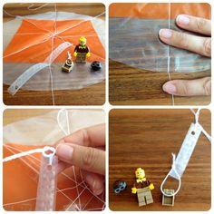 Wir sind alle grosse LEGO Minifiguren Fans. Vor drei Wochen haben wir für sie Fallschirme gebastelt. Ihr könnt natürlich auch...