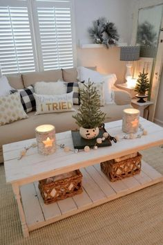Calm Cozy Christmas Living Room Dress Your Home for the Holidays with Easy, Effortless Decorating! Get a Calm & Cozy Christmas Living Room: With Warm Neutral, Glam Metallics, Rustic Candle Options, Festive Throws and More… Tiny Living Rooms, Christmas Living Rooms, Living Room Designs, Christmas Decorations Apartment Small Spaces, Living Room Decor Cozy, Livingroom Christmas Decor, Small Living Room Sectional, Apartment Christmas Decorations, Coffee Table Christmas Decor