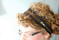 Wrap, pin, and win: an edgy zipper headband | Offbeat Home