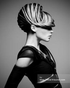 RUSH Lange Braun weiblich Gerade Farbige Scultptured Hochsteckfrisur Frisuren der Frauen hairstyles