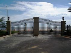 What a beautiful gate by the sea! Wish I had a view like that!