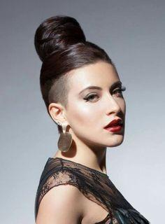 Nicoleta nuca hair Undercut, Makeup Addict, Divas, Addiction, Hoop Earrings, My Favorite Things, Beauty, Jewelry, Fashion