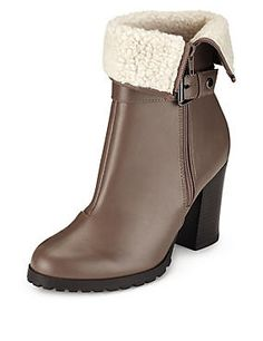 Faux Fur Collar Ankle Boots with Insolia®