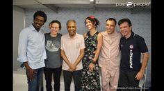 Maria Gadú posa com Seu Jorge, Gilberto Gil, Marisa Monte e Arnaldo Antunes
