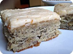 This Banana Bread Bars with Brown Butter Frosting Recipe is so incredible you will want to eat the whole pan. The banana bread bars are moist and full of flavor and the brown butter frosting Köstliche Desserts, Delicious Desserts, Dessert Recipes, Yummy Food, Cake Recipes, Yummy Recipes, Dinner Recipes, Quick Recipes, Potato Recipes