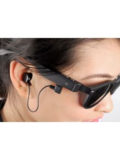 Coming Just in time for summer the wireless Bluetooth sunglasses bring hands free call answering and music playing to your ears while protecting your eyes Bluetooth Watch, Android Watch, Electronics Gadgets, Sport Watches, Cool Gadgets, Fashion Watches, Smart Watch, 4 Hours, Sunglasses