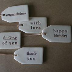 Gestempelte Gipsanhänger - #Geschenke von #jamo sehen damit toll aus.