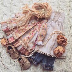 Наряд в стиле бохо. #бохошик #стильно #стиль #бохостиль #стильнаяодежда #бохо #одеждадлякукол #люблюшить #шьюсама #наряд #одежда Moda Barbie, Doll Wardrobe, Waldorf Dolls, Girl Doll Clothes, Cute Dolls, Fabric Dolls, Doll Accessories, Blythe Dolls, Beautiful Dolls