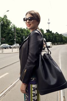 Bucket bags are in trend now but of course I'm in love with the timeless the Louis Vuitton Noe in Epi leather