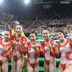 #体操 女子団体は4位入賞です。1968年メキシコ五輪以来48年ぶりの好成績。ピースサインと笑顔がずらりと並びました