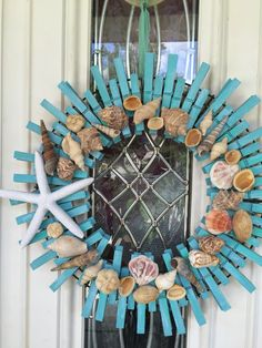 Super Clothes Pin Crafts Ideas How To Make 61 Ideas Seashell Wreath, Seashell Crafts, Beach Crafts, Summer Crafts, Diy And Crafts, Coastal Wreath, Driftwood Wreath, Nautical Wreath, Teen Crafts