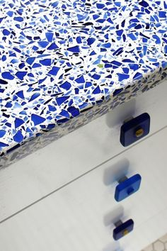 Kitchen Color Inspiration: Cobalt