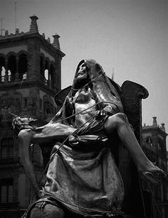 Santa Muerte Piadosa
