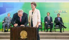 O Ministério Público Federal enviou nesta terça-feira 11 à Justiça Federal em Brasília um pedido de arquivamento de Procedimento Investigatório Criminal (PIC), que apurava se o ex-presidente Lula teria agido irregularmente para, a partir de articulação com o Senado, atrapalhar as investigações da operação Lava Jato; a denúncia foi feita pelo ex-senador Delcídio Amaral, que acusou Lula de tentar impedir seu acordo de delação premiada