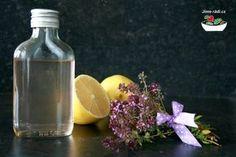 Mateřídouškový sirup Home Canning, Vodka Bottle, Glass Vase, Drinks, Recipes, Food, Nature, Syrup, Drinking