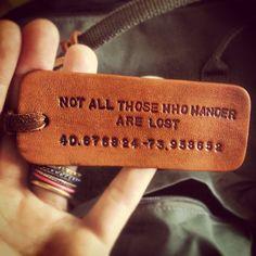 #Etichetta #Bagaglio - #Essenziali smARTraveller #LuggageTag  #Essenziali #smARTraveller #travelmemo i fondamentali che non possono mancare in valigia | what to pack what not to pack #packing #smARTips http://bit.ly/top20damettereinvaligia