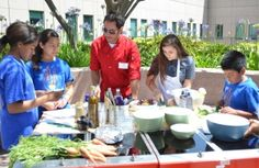 Chef Jamie Oliver's Food Revolution Day teaches healthy eating habits at UCLA Medical Center