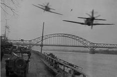 Spitfire Mk IX on the Remagen bridge Dornier Do 335, Ww2 Pictures, Ww2 Photos, Military Photos, Military History, Ww2 Aircraft, Military Aircraft, Luftwaffe, Photo Avion
