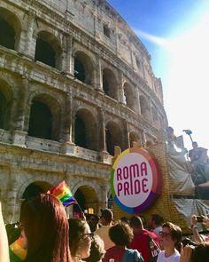Roma Pride 2018: è stato bellissimo. La foto è di @giuliafainella e io non potevo non pubblicarla  #pride #romapride2018 #roma #gay #lgbt