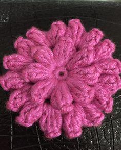 Evet çiçeğimiz bitti  #orgu #örgü #örgüsaati #bebekbattaniye #battaniye #örgümotif #yarn #patterncrochet #pattern #crochet #crochetblanket #crochetedwithlove #crochetflowers #crochetlove #crochetlover #crochetgram #crocheting #ing #hanmade #crochetfun #crocheter #yarnlove #yarnaddic #yatakörtüsü #yatakortusu #granny #örelim #örenbayan #knitting by busenin_orguleri