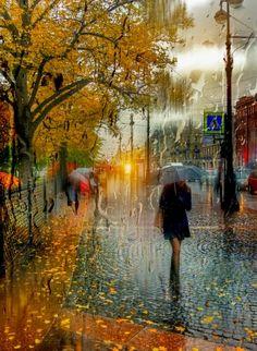 Дождливо в городе родном...