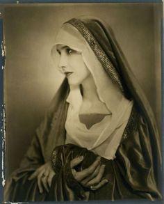 Anna Duncan by Nickolas Muray 1927