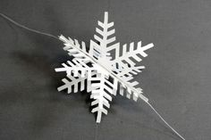 Let it snow! 3D Paper Christmas Snowflakes to Decorate Your Tree!: DIY 3D Paper Snowflake Christmas Ornament: Step 4
