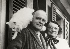 Paul Klee, his wife Lily, and their cat, Bimbo. Klee's talent was influenced by many styles but he developped a personnal style, very easily recognable.