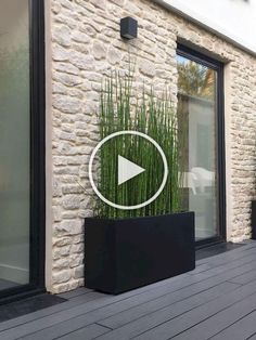 Unbelievably unique modern prefabricated planters for stylish outdoor areas Modern Landscape Design, Modern Landscaping, Front Yard Landscaping, Backyard Privacy, Landscaping Design, Gravel Garden, Garden Paths, Outdoor Areas, Garden Styles