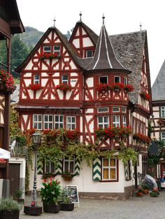 Photo about The Altes Haus (Old House), is a Medieval Half-Timbered House from 1368 in Bacharach, Rhineland-Palatinate, Germany. German Architecture, Beautiful Architecture, Beautiful Buildings, Architecture Design, Medieval Houses, Medieval Town, Bacharach Germany, Beautiful World, Beautiful Places