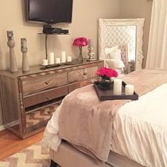 Pin by kayla williams on my room home decor, bedroom decor, bedroom apart. Bedroom Apartment, Home Bedroom, Bedroom With Tv, Bedroom Decor Glam, Bedroom Setup, My New Room, My Room, Decoration Inspiration, Decor Ideas