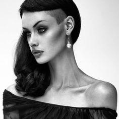 Alice Kelson je viens de la decouvrir :) elle est juste magnifique :)