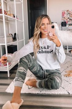 jenniferxlauren This stylish graphic sweatshirt is made for relaxing weekend days! You can't go wrong with a classic ash grey sweatshirt paired with retro fabulous lettering - it's such an adorable style to rock all winter long! Lazy Day Outfits, Mom Outfits, Cute Casual Outfits, School Outfits, Winter Outfits, Lounge Outfit, Lounge Wear, Loungewear Outfits, Graphic Sweatshirt