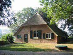 Nabij Zutphen (Bronckhorst) beetje oudbollig maar mooi gelegen en betaalbaar huisje voor max 6 personen.490euro / week -310 euro/ weekend