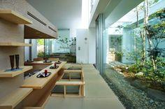前田圭介/UIDによる住宅「群峰の森/COSMIC」:後編 6月の前編に続き、前田圭介/UID (Keisuke Maeda / UID architects) による住宅「群峰の森/COSMIC」後編をお伝えします。